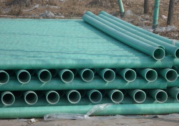 雄县玻璃钢管:为什么选用玻璃钢管作为排水管道